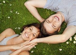 ¿Romántico de baja factura? 5 alternativas para organizar una cita romántica y reducir los costos