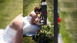Emotiva imagen de novia conmueve a redes sociales