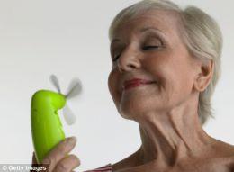 Los hombres serían culpables de que las mujeres lleguen a la menopausia según polémico estudio
